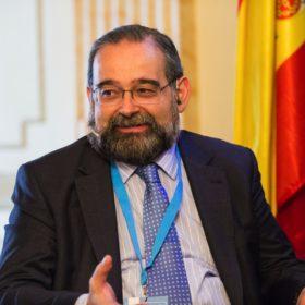 Alfonso Bullón de Mendoza y Gómez de Valugera